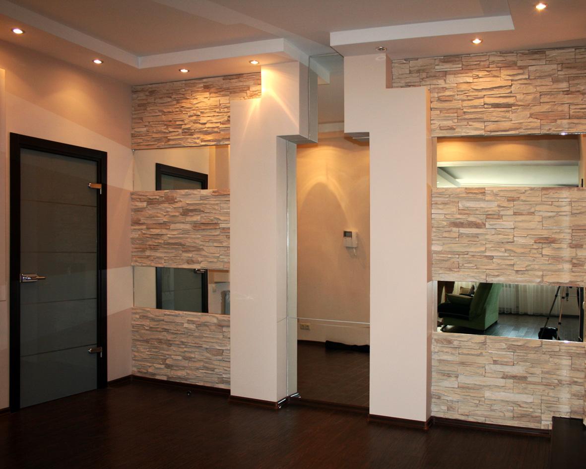 цементный камень в дизайне прихожей