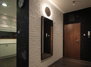 цементный камень в дизайне прихожей комнаты фото