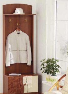 деревянная вешалка для прихожей комнаты дизайн фото