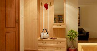 железная вешалка для прихожей комнаты интерьер картинка