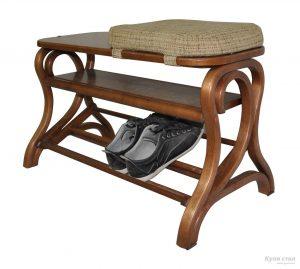 полки для обуви в прихожую комнату деревянная конструкция с узорами пример