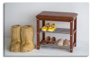 полка для обуви в прихожую комнату железная с узорами пример