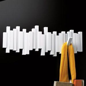 деревянная вешалка для прихожей комнаты интерьер фото