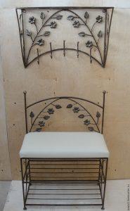 деревянная вешалка с обувницей в прихожую интерьер