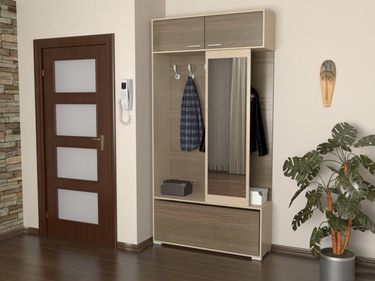 шкаф с зеркалом в проходную комнату из массива дерева