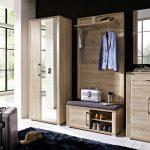 шкаф в прихожую комнату из массива дерева картинка