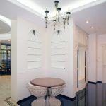 красивая прихожая комната в классическом стиле дизайн фото