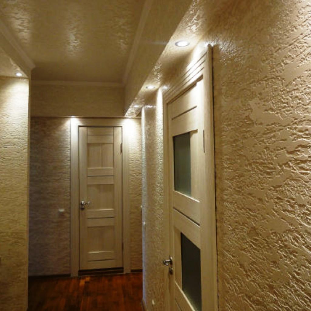 качественная отделка прихожей комнаты обои