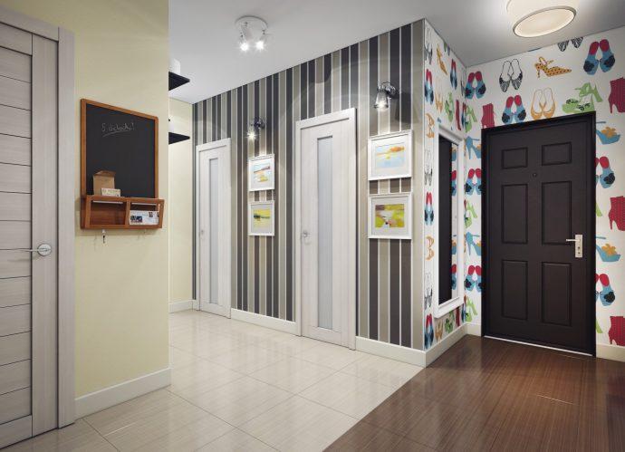 прихожая комната с фактурной штукатуркой и матовой стенкой фото