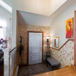 светлая коридор в частном доме картинка
