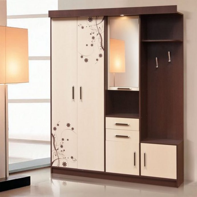 яркий дизайн прихожей комнаты эконом класса картинка