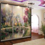 светлый интерьер проходной комнаты эконом класса картинка