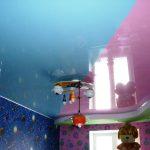 красивый натяжной потолок с фотопечатью в игровой картинка