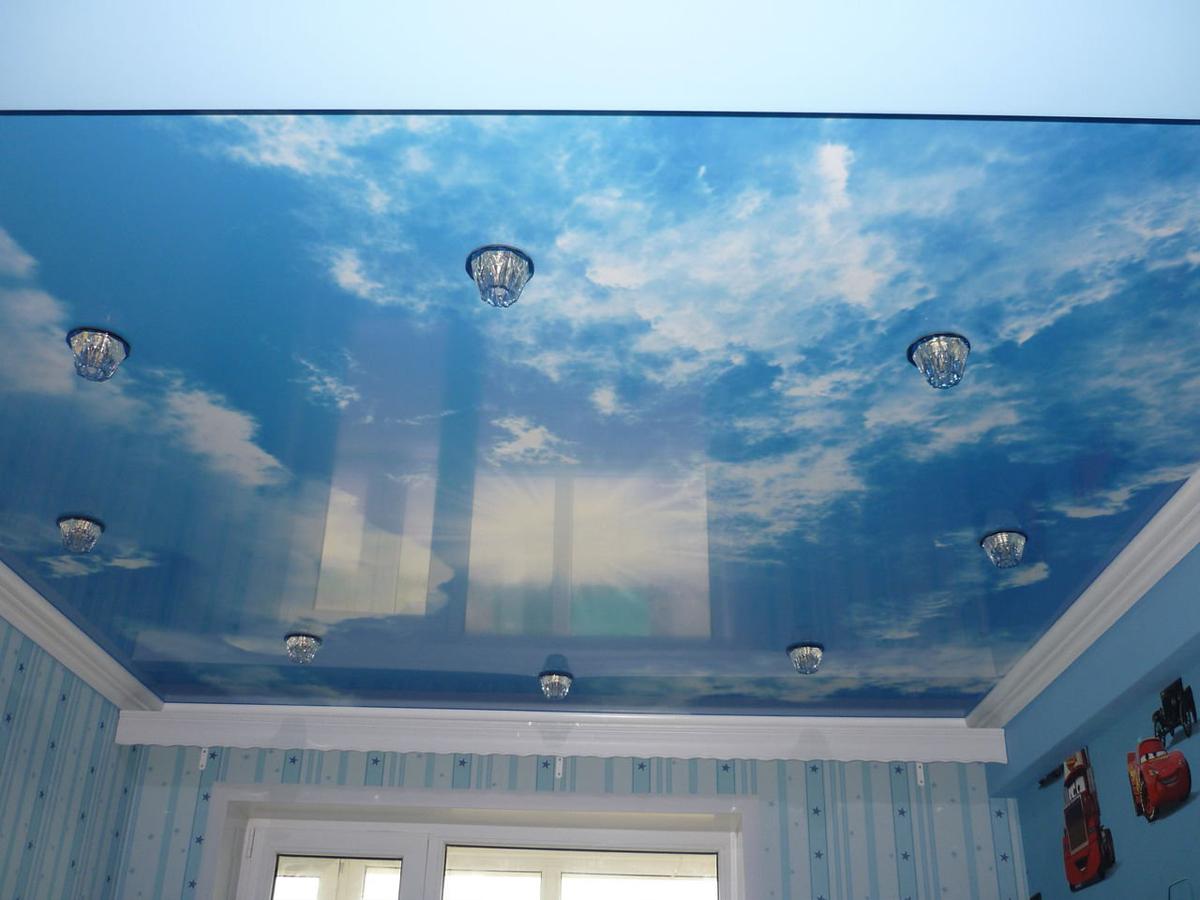 натяжной потолок в детскую фото