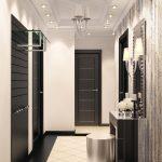 красивый интерьер проходной комнаты с отделкой фактурной штукатуркой