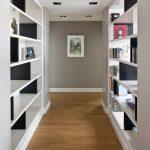яркий стиль маленького коридора в современном стиле картинка
