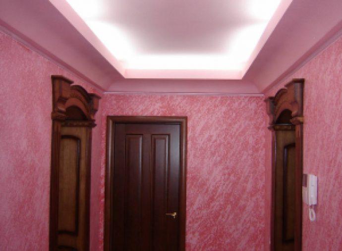 шикарный дизайн прихожей комнаты с фактурной штукатуркой