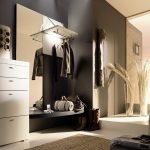 яркий стиль прихожей комнаты в новом стиле картинка