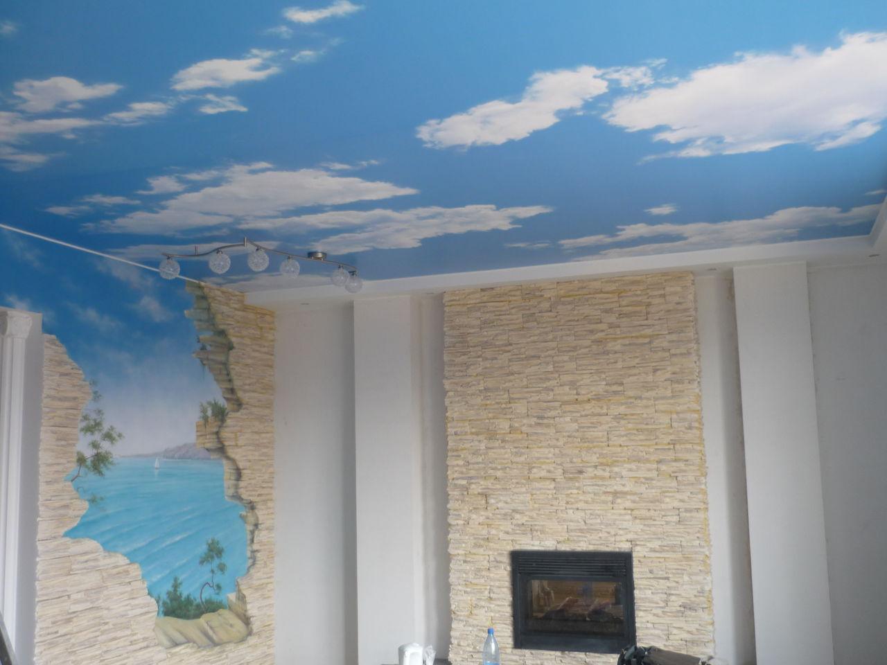отражающий потолок из натяжной ткани в детской комнате
