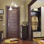 светлый пуф с рундуком из дерева в проходную комнату фото