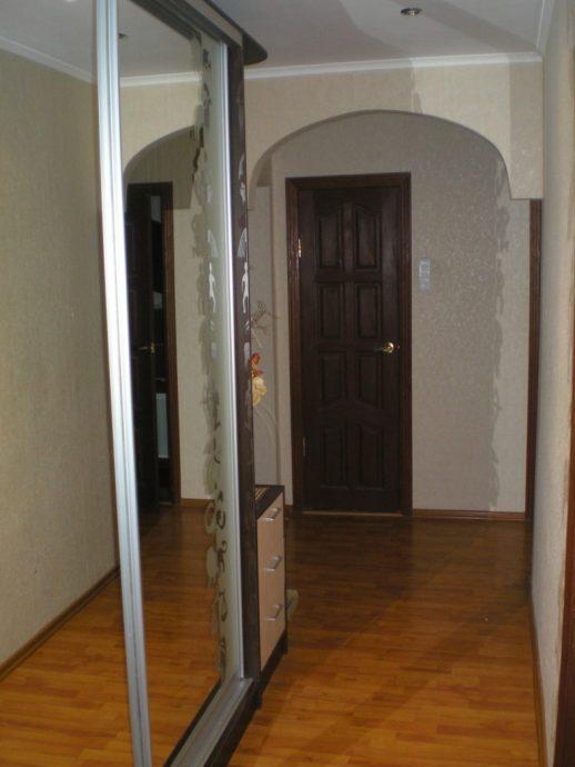 узкая обувница из двп в коридор интерьер