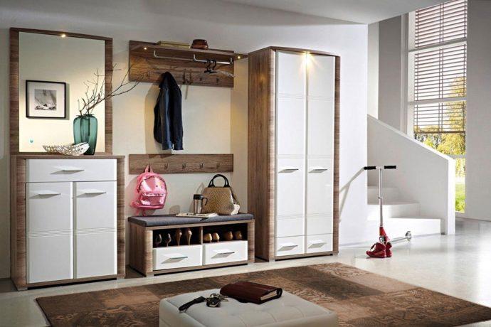 широкий шкаф в проходную комнату стиль