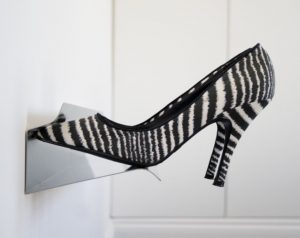 вешалка с банкеткой для обуви в прихожую комнату интерьер фото