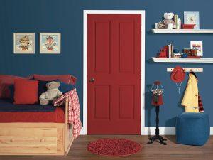 светлые обои в прихожую комнату в стиле ретро под темную дверь картинка