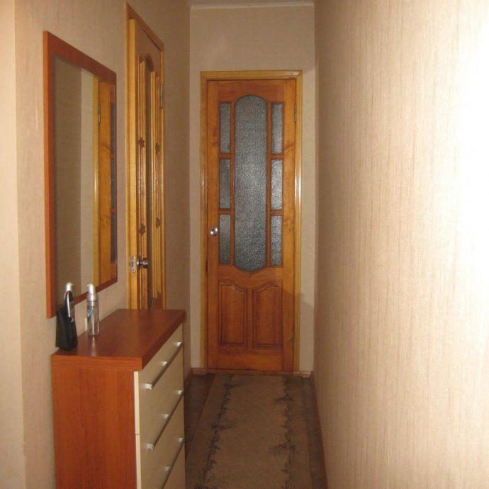 красивый дизайн проходной с маленьким коридором картинка