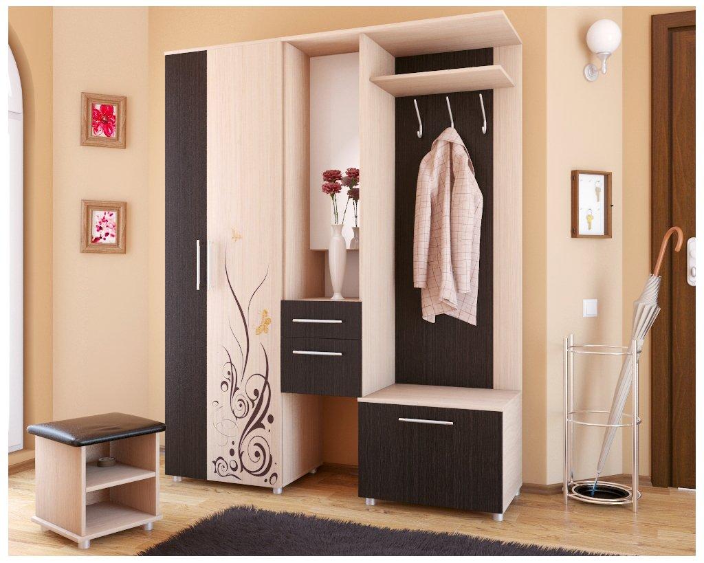 светлый стиль проходной комнаты с маленьким коридором