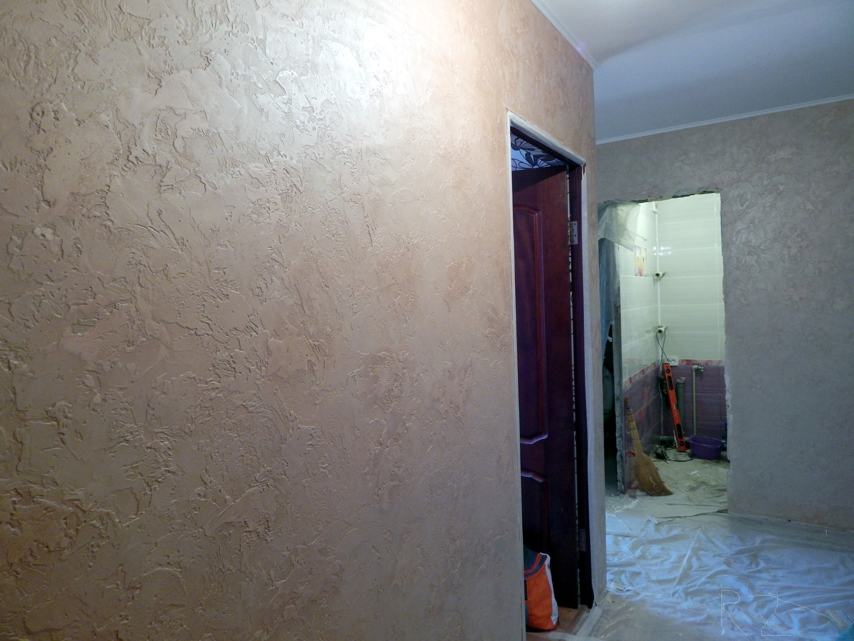 светлый интерьер отделки коридора