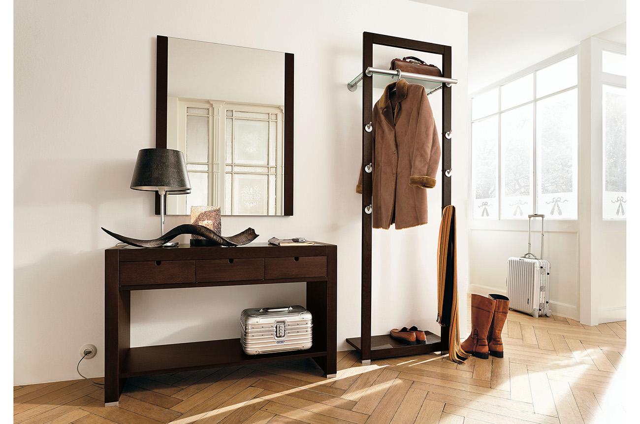 яркий интерьер прихожей комнаты в новом стиле