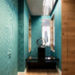 красивый дизайн коридора с фактурной штукатуркой