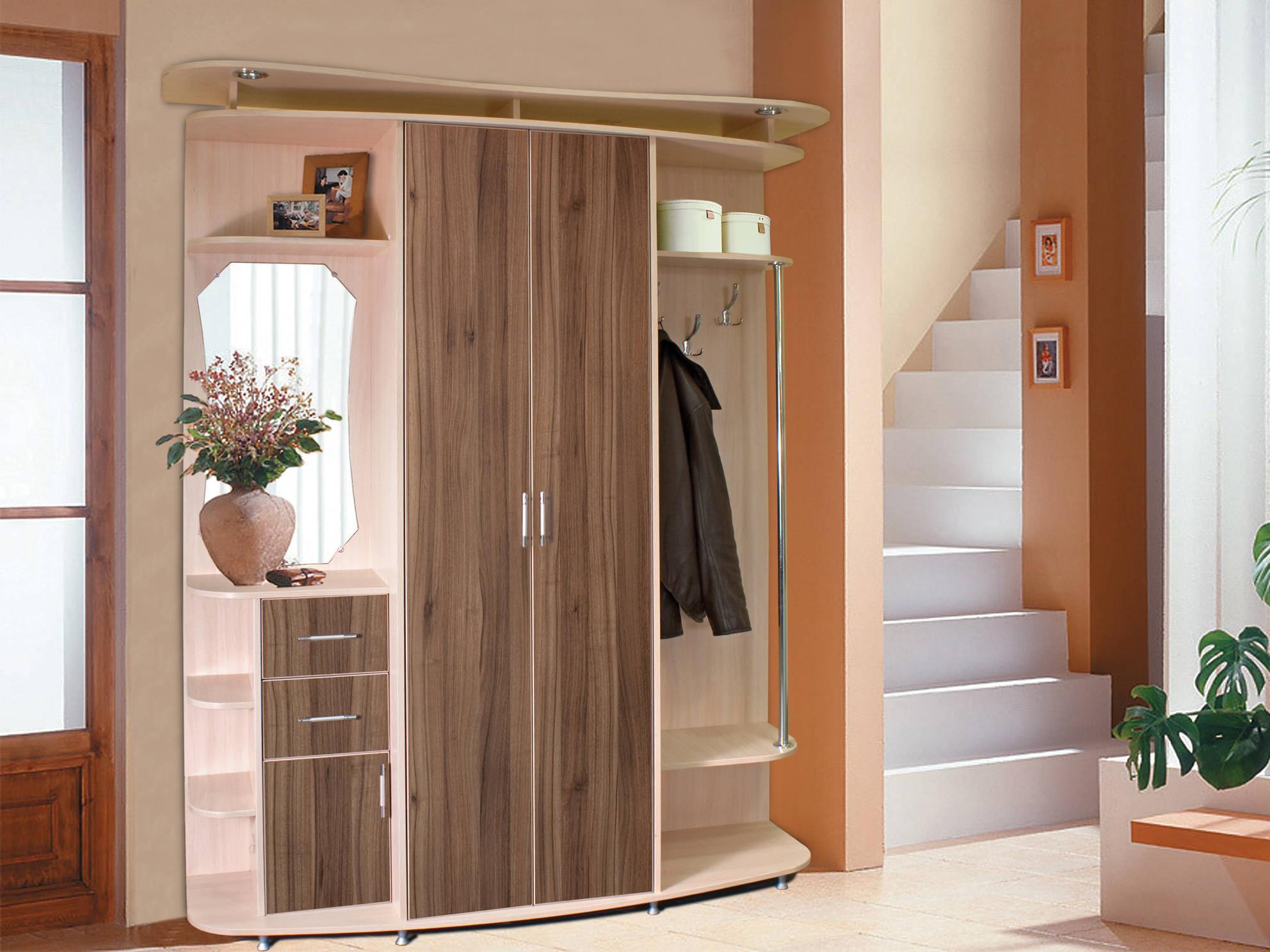 красивый дизайн проходной с маленьким коридором