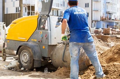 Замес раствора в бетоносмесителе